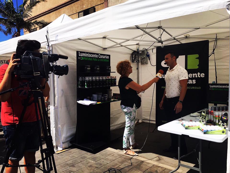 Entrevista a Enrique Hernández Nuez sobre Luminiscente Canarias para televisión