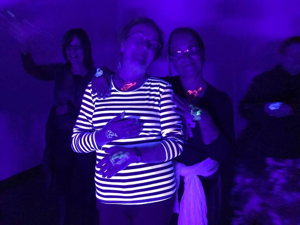 Taller de Risoterapia con actividad neón para la Fundación Mapfre Guanarteme en Gran Canaria