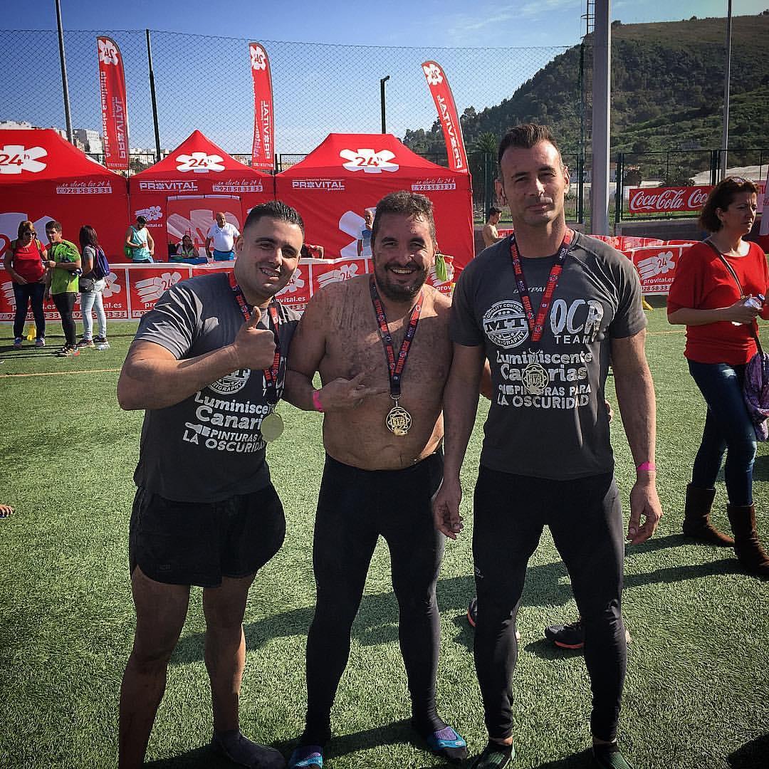 Equipo de OCR Luminiscente Canarias en Bestial Race